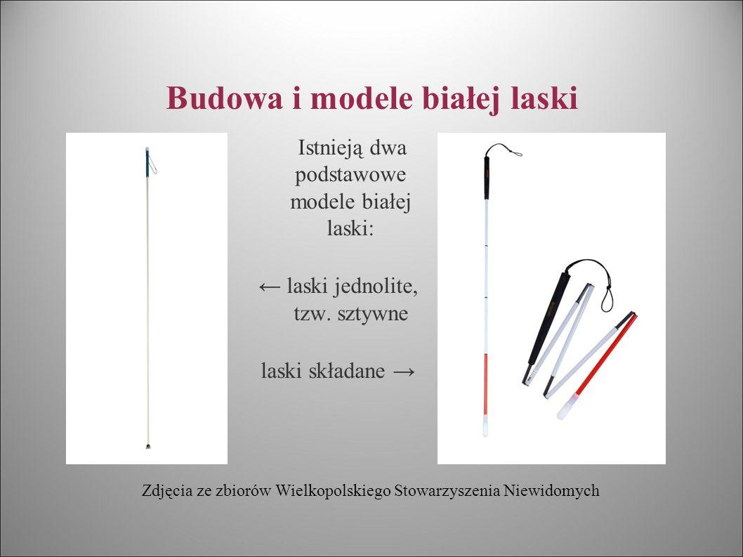 Budowa i modele białej laski Dla poprawy widoczności białej laski o zmierzchu, rurka pokryta jest białą farbą odblaskową, a dodatkowo na rurce naklejone są czerwone paseczki o właściwościach fluorescencyjnych.