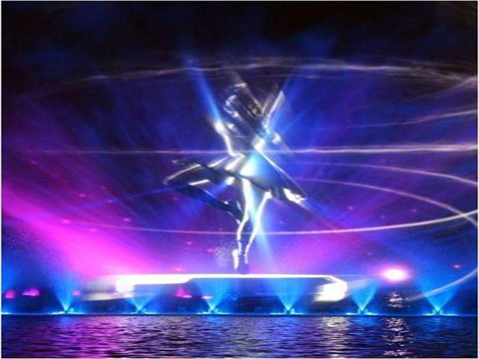 800 punktów świetlnych, 300 różnego rodzaju dysz wodnych, gejzery tryskające na wysokość 40 metrów, lasery i nagłośnienie tworzą niesamowite widowisko