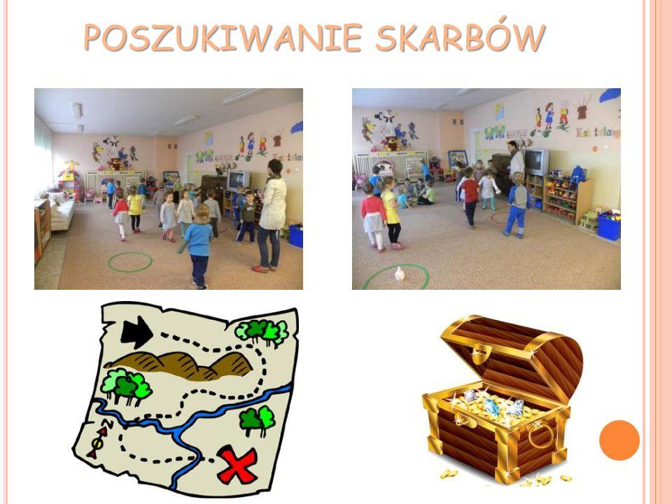 Zrobimy prezenty dla przedszkolaków i personelu. Zabieramy się za pakowanie. Wszyscy pomagają