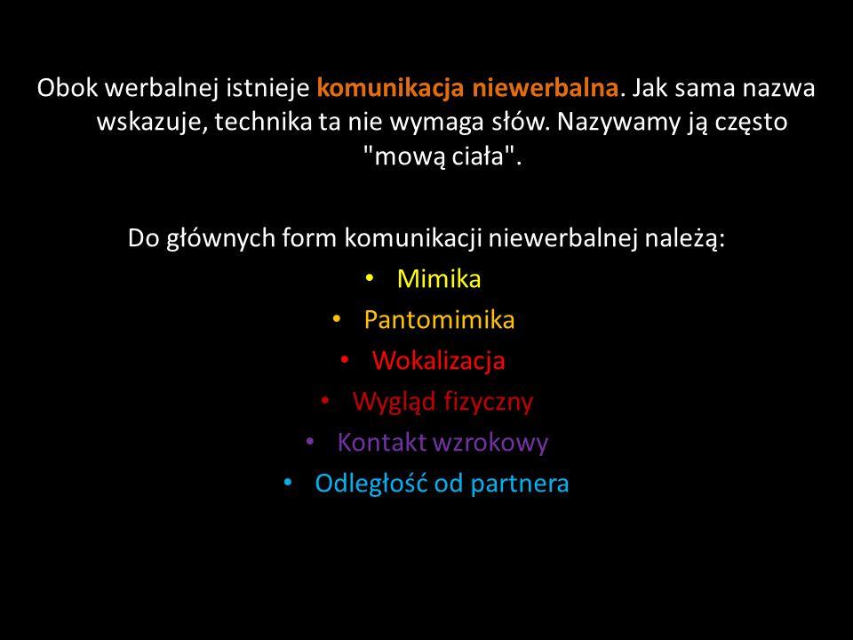 W przebiegu komunikacji wyróżniono kilka stylów komunikowania: współpracujący (partnerski) – przeważnie są to dialog lub negocjacje, w których osoby mają równe uprawniania i pozycję; dominujący (zhierarchizowany) – jedna ze stron ma przewagę nad innymi; manipulacyjny – jedna ze stron dla osiągnięcia własnych celów stosuje różne techniki psychomanipulacji.