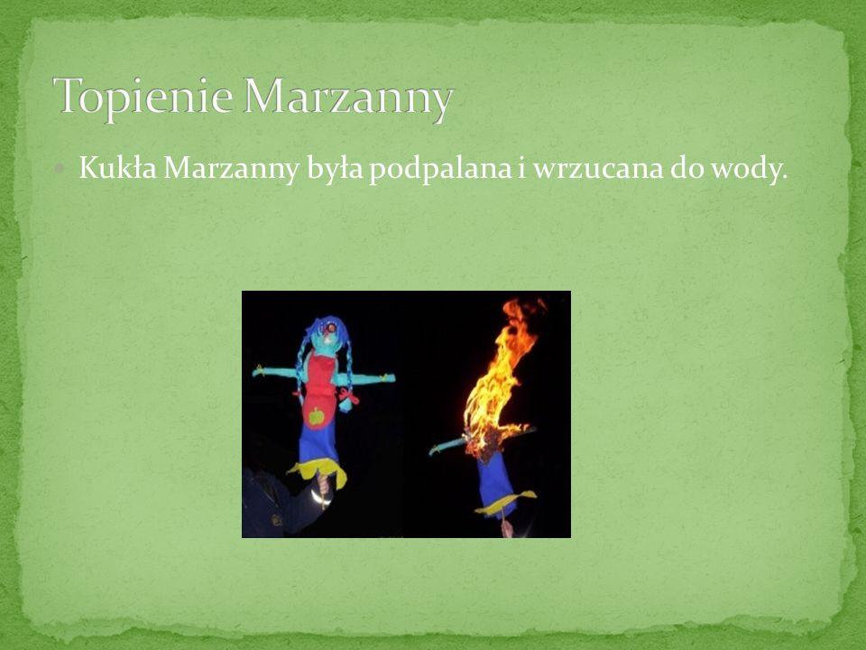 Kukła Marzanny była podpalana i wrzucana do wody.