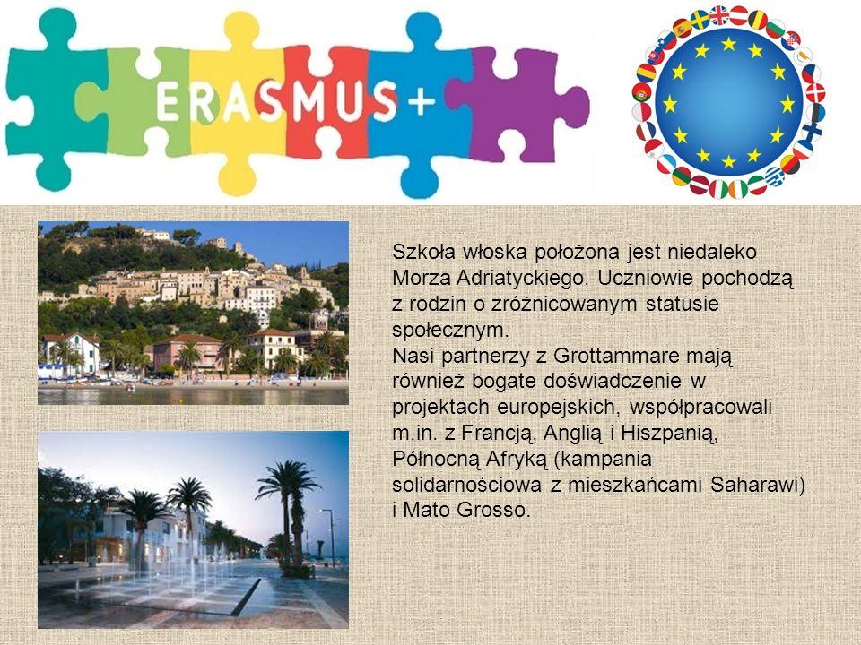 Szkoła włoska położona jest niedaleko Morza Adriatyckiego.