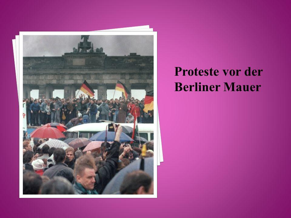 Proteste vor der Berliner Mauer