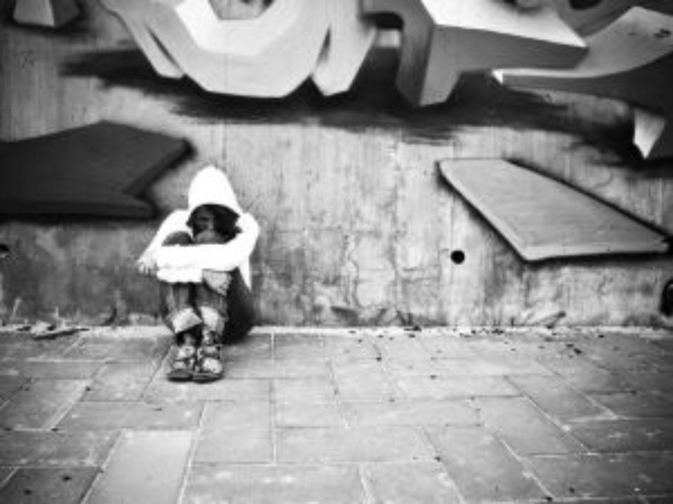 Agresję definiuje się najczęściej jako świadome, zamierzone działanie, mające na celu wyrządzenie komuś szeroko rozumianej szkody-fizycznej lub psychicznej wobec osoby o zbliżonych możliwościach, mającej zdolność skutecznej obrony.