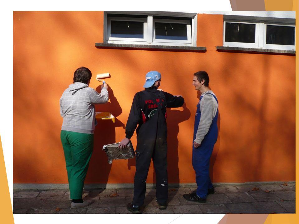 Przysposobienie do pracy – pracowania krawiecka nauczyciel: Natalia Nowak