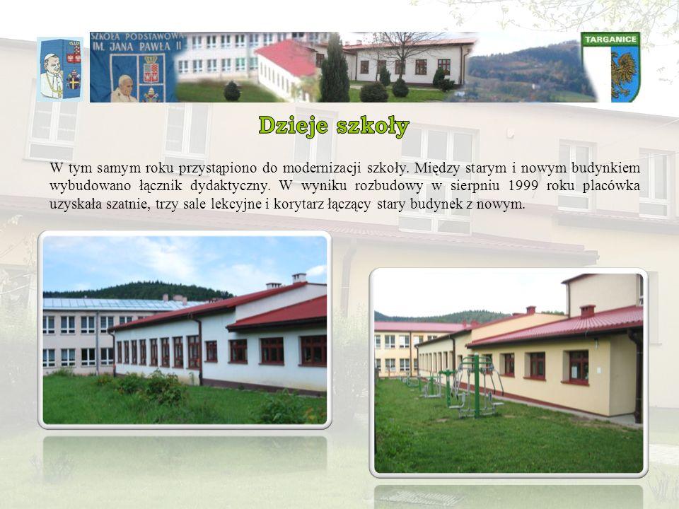 W tym samym roku przystąpiono do modernizacji szkoły. Między starym i nowym budynkiem wybudowano łącznik dydaktyczny. W wyniku rozbudowy w sierpniu 19
