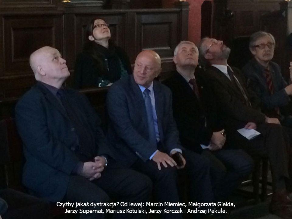 Czyżby jakaś dystrakcja? Od lewej: Marcin Miemiec, Małgorzata Giełda, Jerzy Supernat, Mariusz Kotulski, Jerzy Korczak i Andrzej Pakuła.