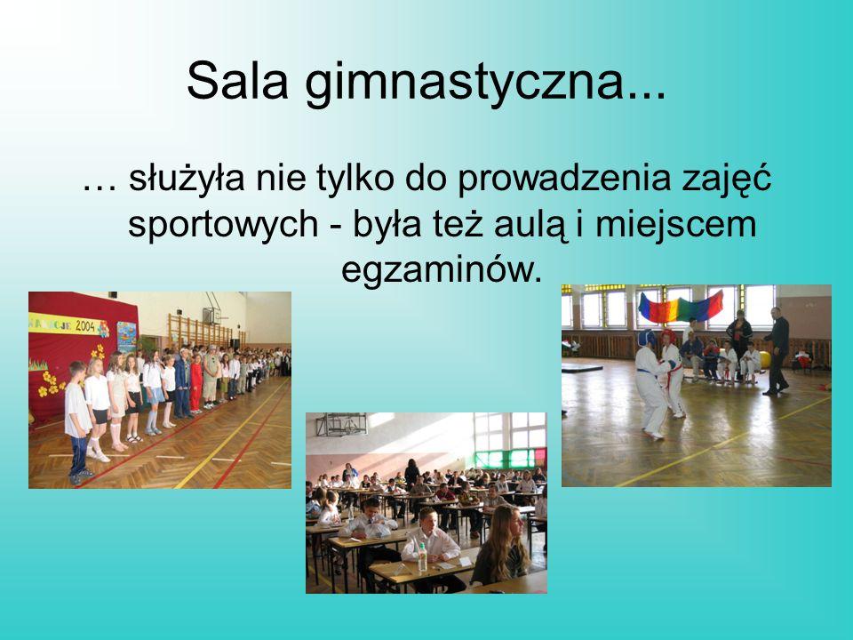 Sala gimnastyczna... … służyła nie tylko do prowadzenia zajęć sportowych - była też aulą i miejscem egzaminów.