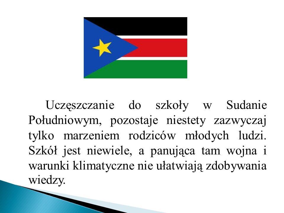 Uczęszczanie do szkoły w Sudanie Południowym, pozostaje niestety zazwyczaj tylko marzeniem rodziców młodych ludzi.
