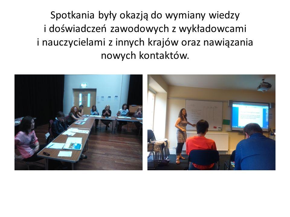 Spotkania były okazją do wymiany wiedzy i doświadczeń zawodowych z wykładowcami i nauczycielami z innych krajów oraz nawiązania nowych kontaktów.