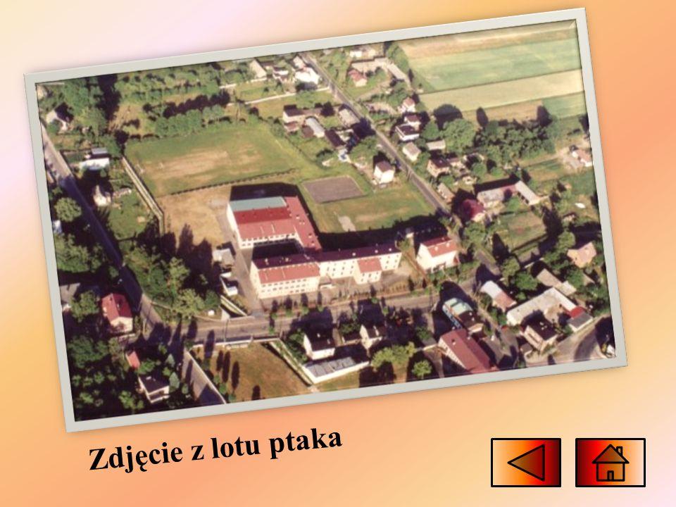 Zespół Szkół im. Stanisława Ligonia W Zespole Szkół im. Stanisława Ligonia znajduje się szkoła podstawowa, ale i również gimnazjum, które to istnieje