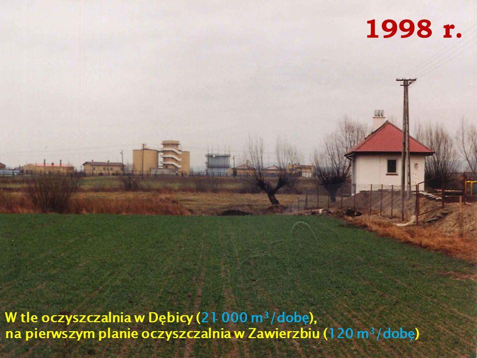 W tle oczyszczalnia w Dębicy (21 000 m 3 /dobę), na pierwszym planie oczyszczalnia w Zawierzbiu (120 m 3 /dobę) 1998 r.