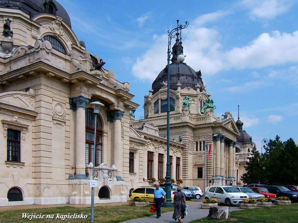 Budapeszt: główny budynek basenów termalnych Széchenyi'ego