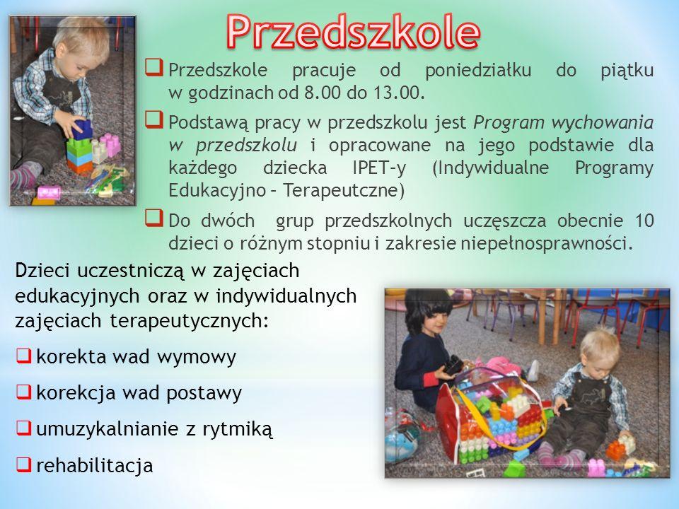  Przedszkole pracuje od poniedziałku do piątku w godzinach od 8.00 do 13.00.  Podstawą pracy w przedszkolu jest Program wychowania w przedszkolu i o