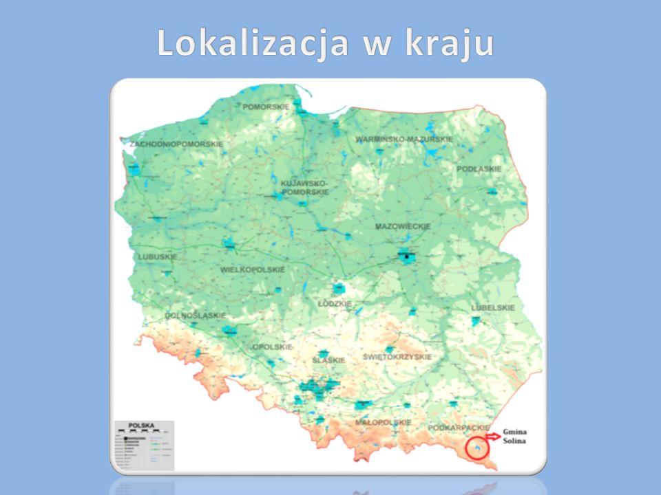 Gmina Solina leży w Bieszczadach, w południowo-wschodniej części województwa podkarpackiego, w obrębie wód Zalewu Solińskiego i Zalewu Myczkowieckiego.