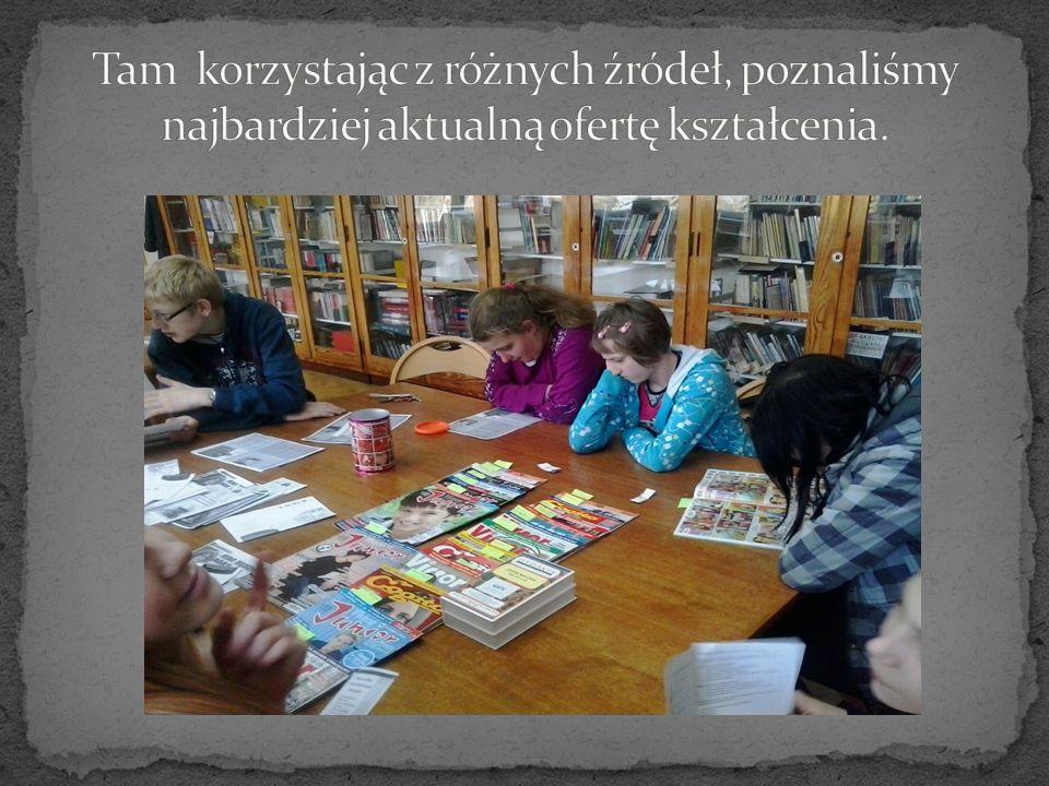 W bibliotece Pani Wiesia i Pani Ania chętnie udzielą Ci informacji o różnych zawodach, udostępnią adresy stron internetowych, odpowiednie czasopisma, książki.