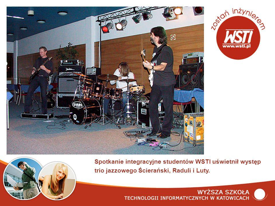 Spotkanie integracyjne studentów WSTI uświetnił występ trio jazzowego Ścierański, Raduli i Luty.