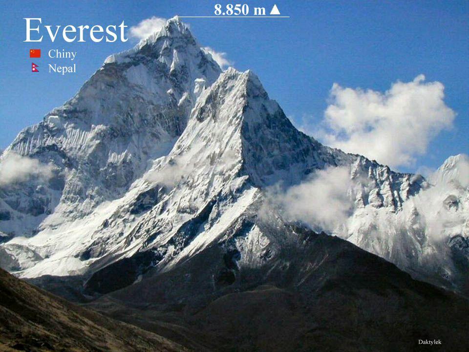 Mount Everest - Czomolungma, Qomolangma, Sagarmatha najwyższy szczyt Ziemi - 8850 m n.p.m.