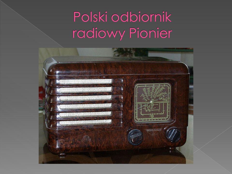  Informacja może być przesyłana w postaci:  Zapisu fali dźwiękowej – wymaga wówczas radioodbiornika  Zakodowanej (np.