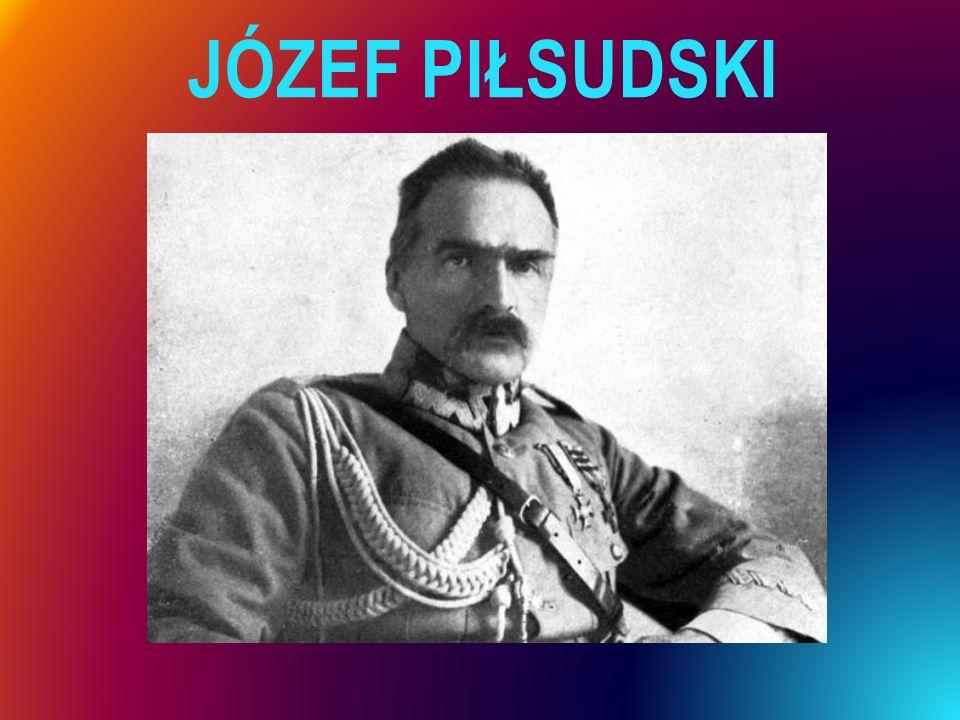 DZIEJE OBCHODÓW DNIA NIEPODLEGŁOŚCI  W latach 1919–1936 rocznicę Odzyskania Niepodległości świętowano w Warszawie jako uroczystości o charakterze wojskowym.