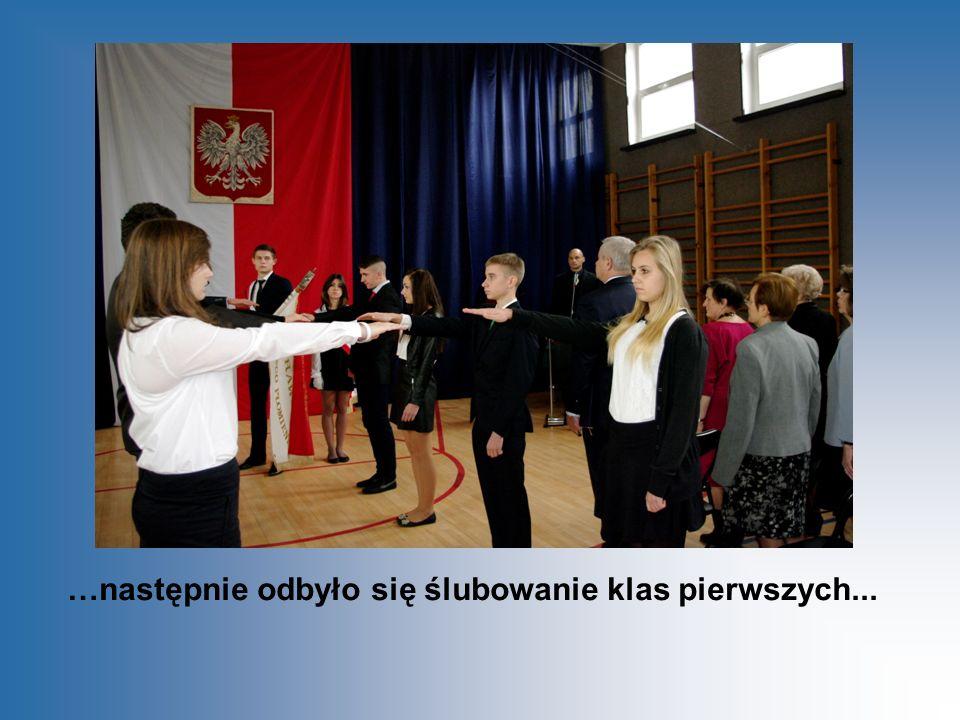 Nauczyciele zachwycili swoją grą aktorską, co potwierdziły gromkie brawa publiczności.