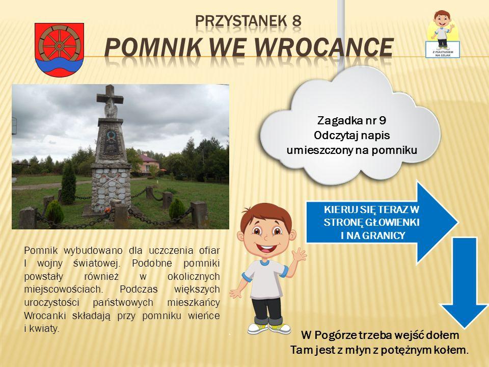 Pomnik wybudowano dla uczczenia ofiar I wojny światowej. Podobne pomniki powstały również w okolicznych miejscowościach. Podczas większych uroczystośc