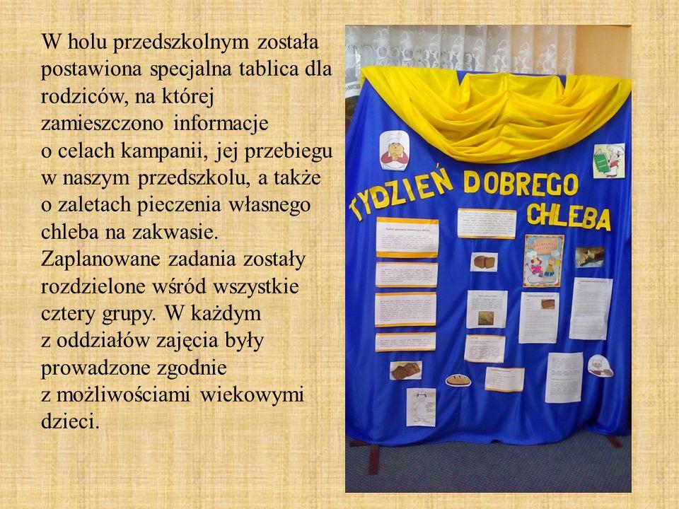 W holu przedszkolnym została postawiona specjalna tablica dla rodziców, na której zamieszczono informacje o celach kampanii, jej przebiegu w naszym pr