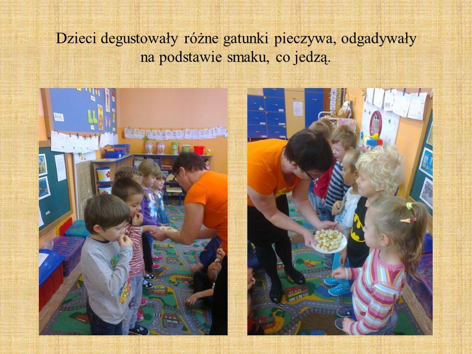 Dzieci degustowały różne gatunki pieczywa, odgadywały na podstawie smaku, co jedzą.