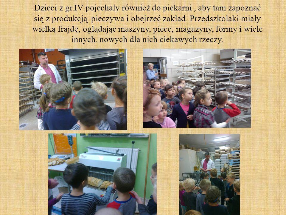 Dzieci z gr.IV pojechały również do piekarni, aby tam zapoznać się z produkcją pieczywa i obejrzeć zakład. Przedszkolaki miały wielką frajdę, oglądają