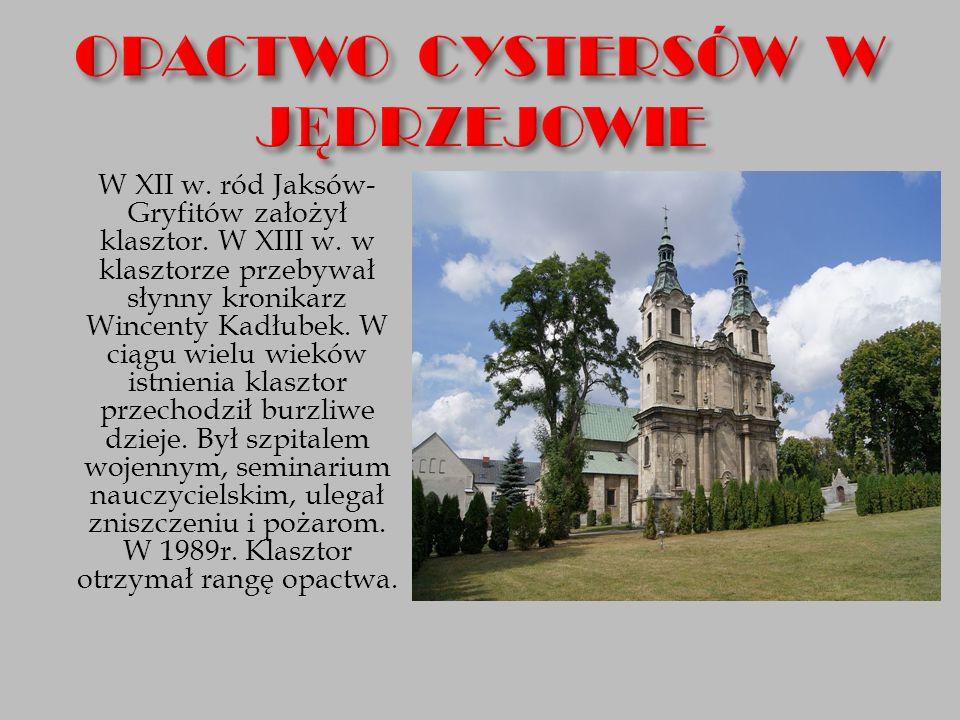 W XII w. ród Jaksów- Gryfitów założył klasztor. W XIII w. w klasztorze przebywał słynny kronikarz Wincenty Kadłubek. W ciągu wielu wieków istnienia kl