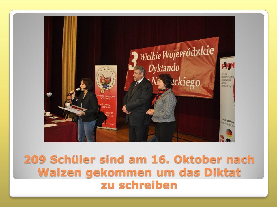 209 Schüler sind am 16. Oktober nach Walzen gekommen um das Diktat zu schreiben