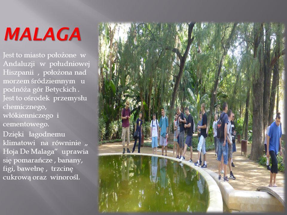 ALHAMBRA Warowny zespół pałacowy w Grenadzie w andaluzyjnym regionie Hiszpanii.