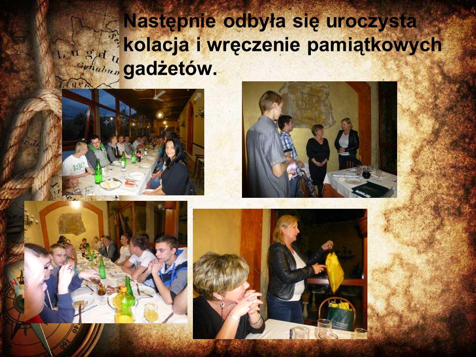 Następnie odbyła się uroczysta kolacja i wręczenie pamiątkowych gadżetów.