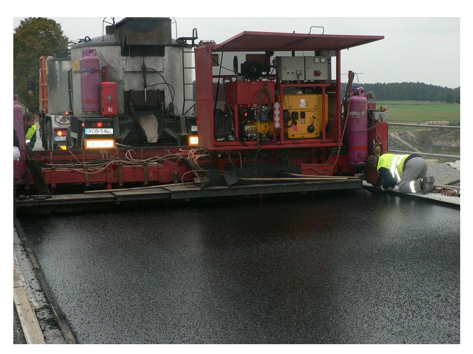 Przebudowa drogi nr 5484P Rawicz – Dubin, na odcinku od skrzyżowania z drogą nr 5485P do Słupii Kapitulnej poszerzenie nawierzchni, remont mostu, nowa nawierzchnia wartość: 1 125 376,75 zł.