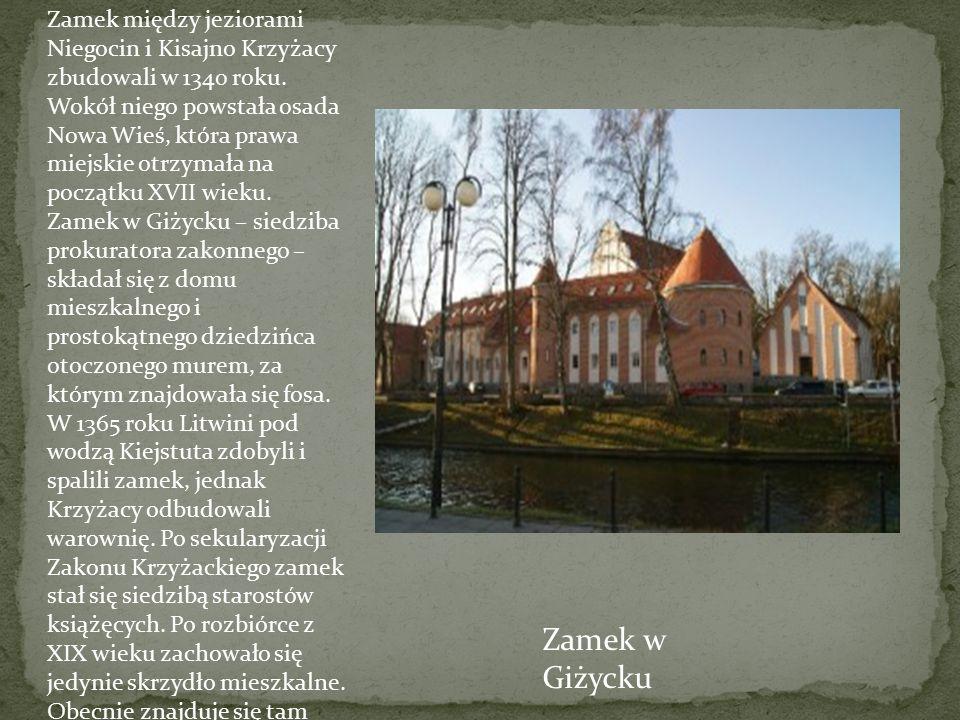 Zamek między jeziorami Niegocin i Kisajno Krzyżacy zbudowali w 1340 roku. Wokół niego powstała osada Nowa Wieś, która prawa miejskie otrzymała na pocz