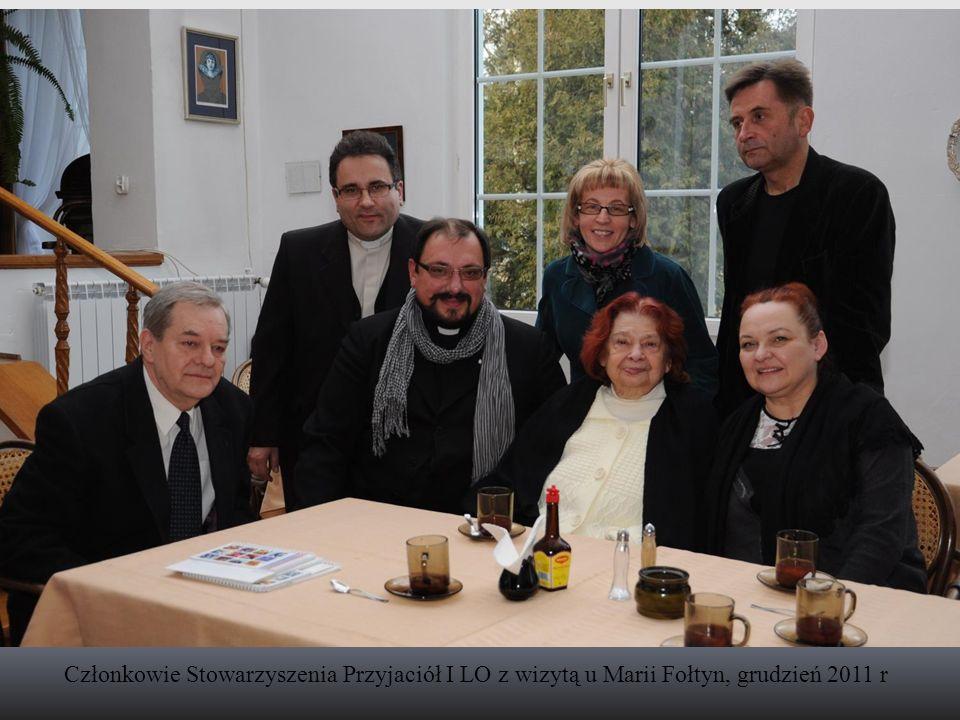 Członkowie Stowarzyszenia Przyjaciół I LO z wizytą u Marii Fołtyn, grudzień 2011 r