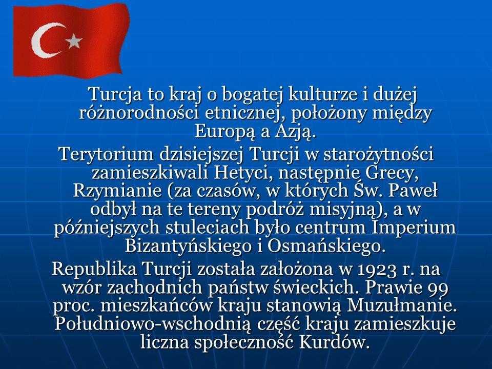 Turcja to kraj o bogatej kulturze i dużej różnorodności etnicznej, położony między Europą a Azją.