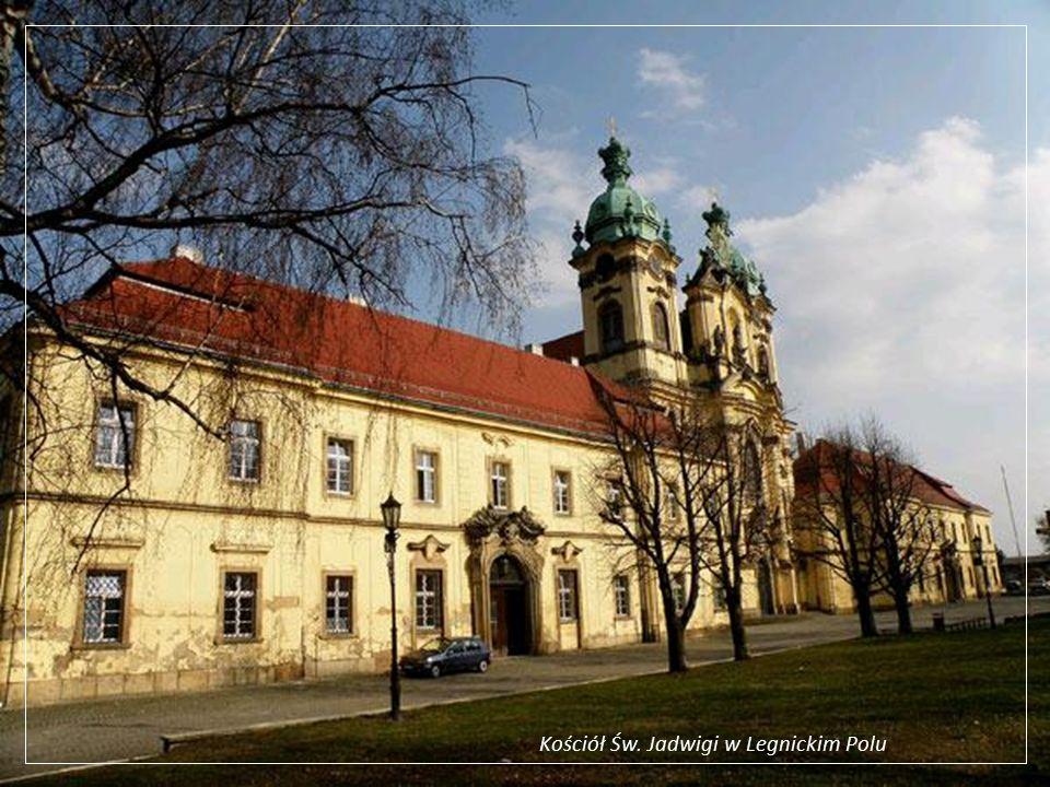Legnickie Pole – barokowy kościół Św. Jadwigi (zabytek klasy 0) i dawny klasztor benedyktynów