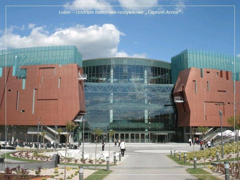 Szyb w kopalni Lubin Główny Lubin leży w centrum Legnicko-Głogowskiego Okręgu Miedziowego, swoja siedzibę ma KGHM Polska Miedź, jeden z czołowych prod