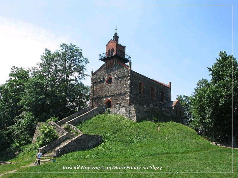 Milicz – kościół św. Andrzeja Boboli o pjemności 2tys. osób; zabytkowe organy z 18w.