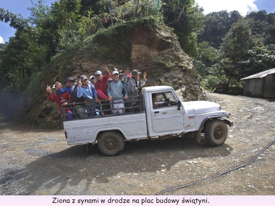 Synowie Ziona i jego dwudziesta żona, 37-letnia Zuali