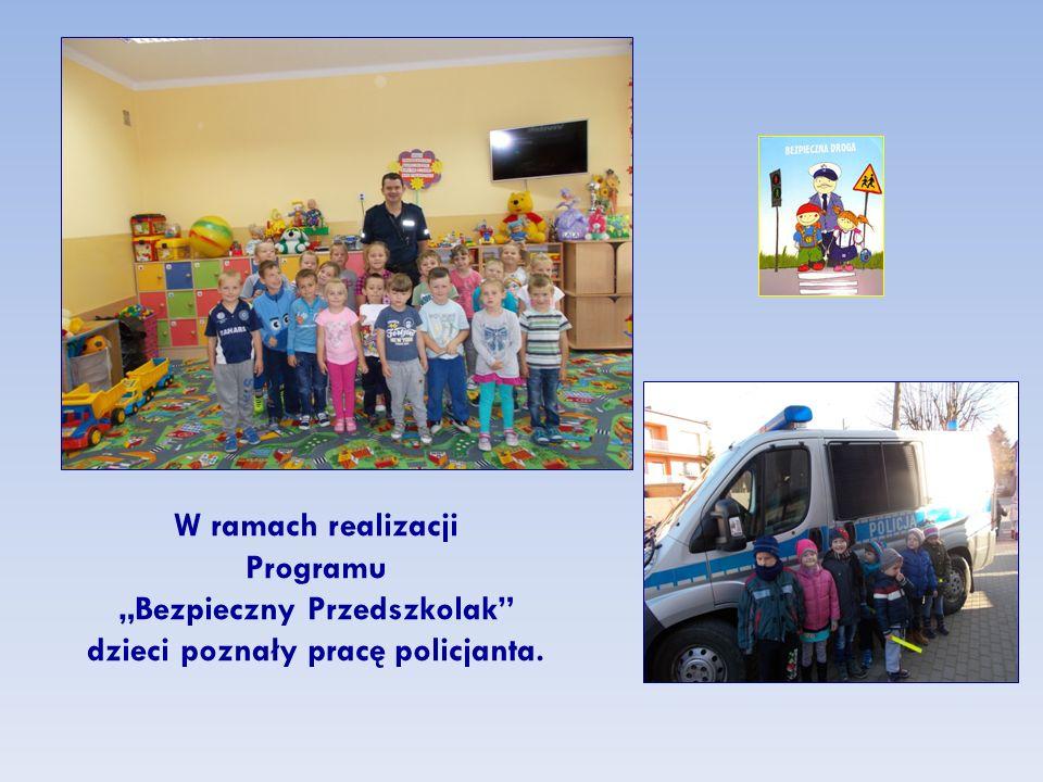 """W ramach realizacji Programu """"Bezpieczny Przedszkolak dzieci poznały pracę policjanta."""