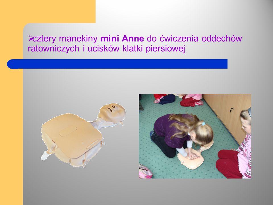  cztery manekiny mini Anne do ćwiczenia oddechów ratowniczych i ucisków klatki piersiowej