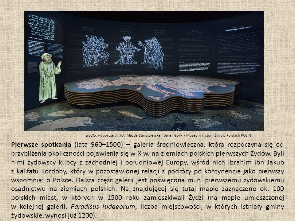 Pierwsze spotkania (lata 960–1500) – galeria średniowieczna, która rozpoczyna się od przybliżenia okoliczności pojawienia się w X w.