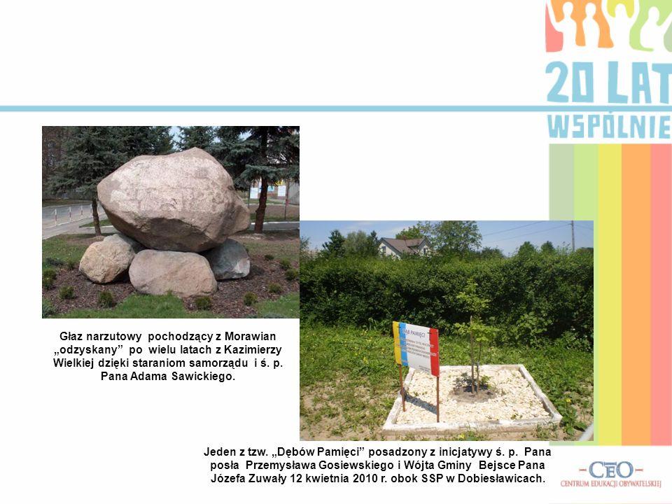 """Głaz narzutowy pochodzący z Morawian """"odzyskany po wielu latach z Kazimierzy Wielkiej dzięki staraniom samorządu i ś."""