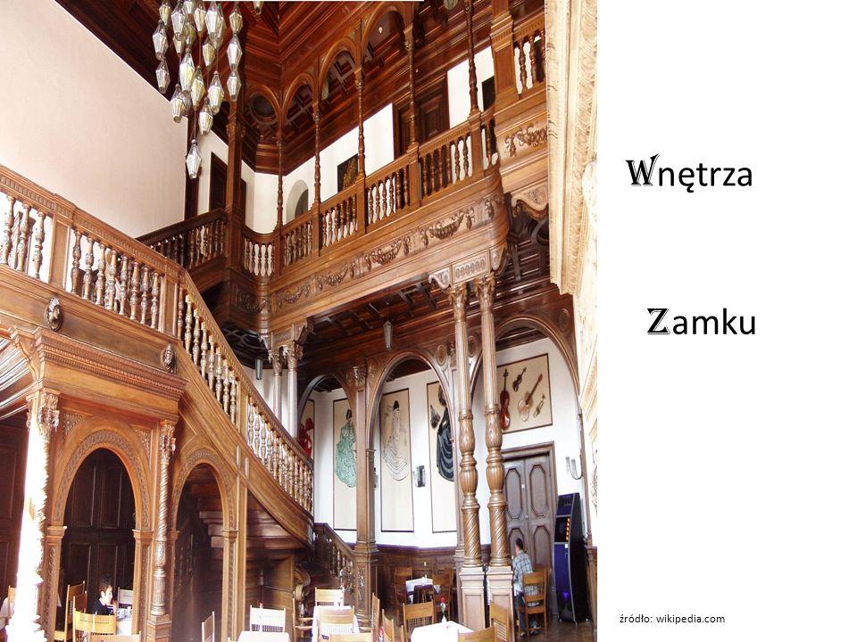W nętrza z amku źródło: wikipedia.com