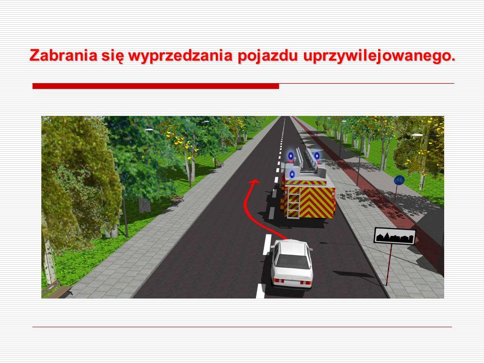 na przejściu dla pieszych i bezpośrednio przed nim, z wyjątkiem przejścia, na którym ruch jest kierowany na przejściu dla pieszych i bezpośrednio przed nim, z wyjątkiem przejścia, na którym ruch jest kierowany