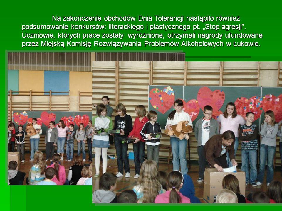 Na zakończenie obchodów Dnia Tolerancji nastąpiło również podsumowanie konkursów: literackiego i plastycznego pt.