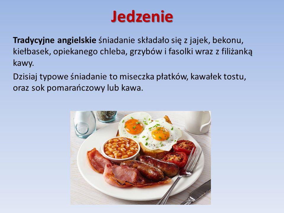Jedzenie Tradycyjne angielskie śniadanie składało się z jajek, bekonu, kiełbasek, opiekanego chleba, grzybów i fasolki wraz z filiżanką kawy.