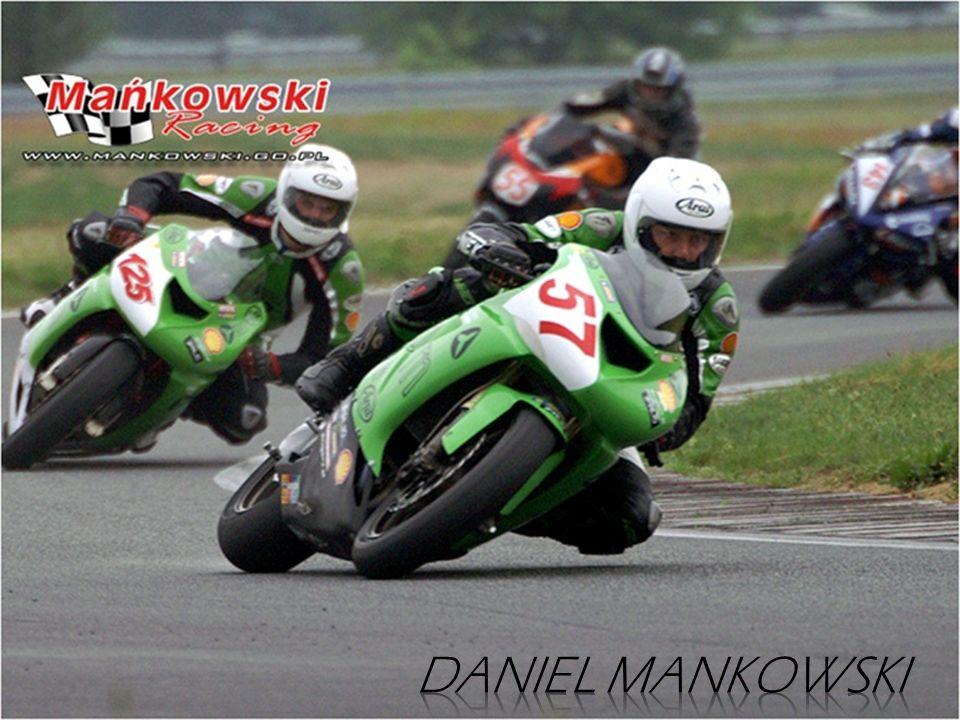 Bardzo dobrze zapowiadający się debiutant, dynamicznie podnoszony swoje umiejętności. Pierwszy sezon w wyścigach motocyklowych to 2007 rok. Mimo braku
